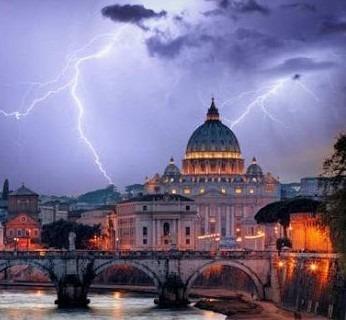 Una grave crisi aleggia sulla Chiesa